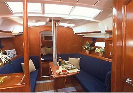 05-Beneteau_Oceanis_clipper_373_yacht_charter_croatia_salon_3